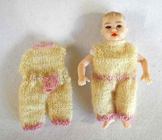 2 Gele babypakjes - Sorry, only in Dutch