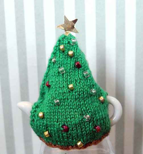 Theemuts in de vorm van een kerstboom - Christmastree shaped teacosy