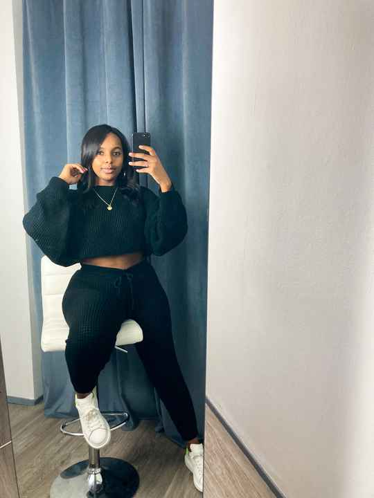 Comfy Cropped Top Two Piece Black