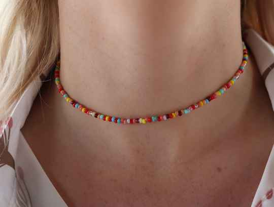 Beaded neclace - mix color