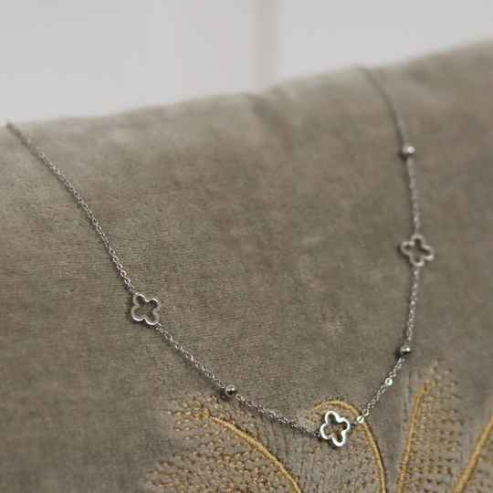 Silver four leave necklace
