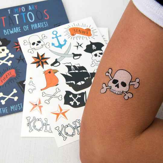 Temporary tattoos 'pirates'