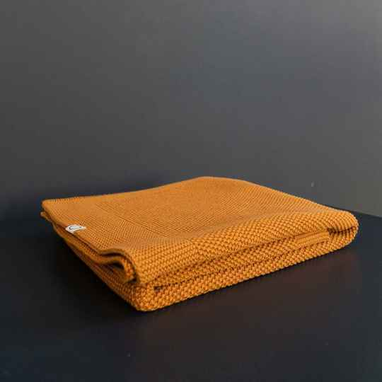 Coco & pine knitted blanket mustard