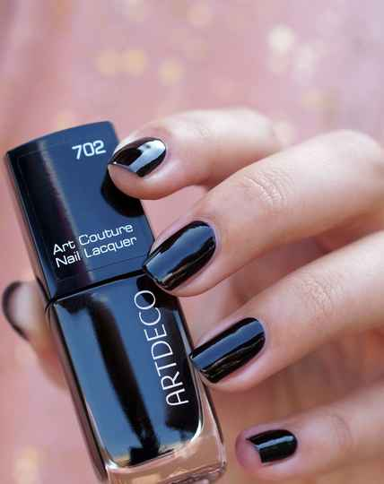 Art Couture Nail Lacquer 702 Dark Queen