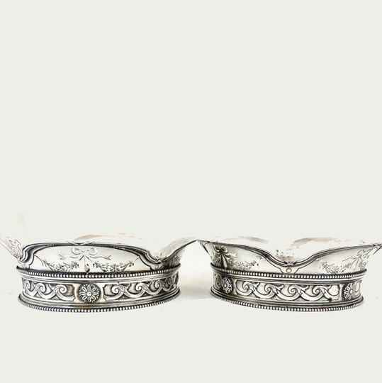 Pair of pierced wine coasters, Belgium around 1900, Louis XVI style, sterling silver,