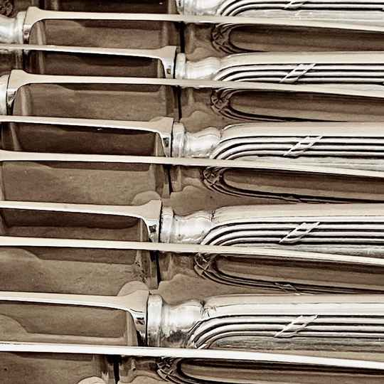 18 knives, reed and ribbon, 1890-1910, Brussels, solid silver
