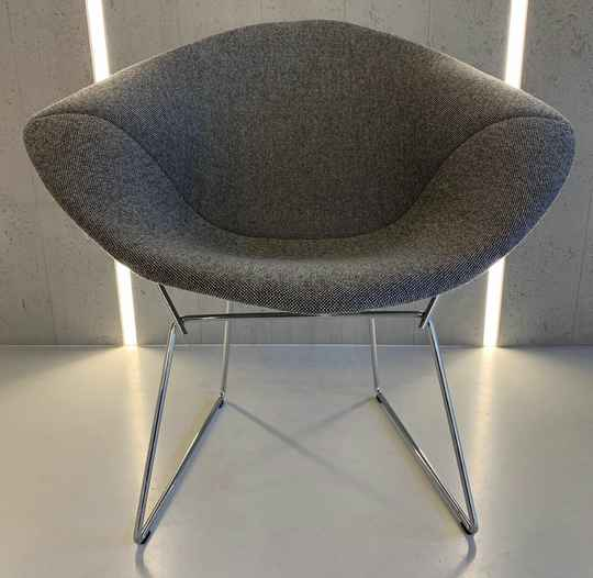 Knoll diamond chair - showroommodel 2021 VERKOCHT