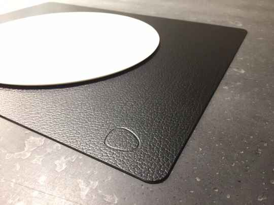 GLCE - Lind DNA placemat Bull square L double black/brown