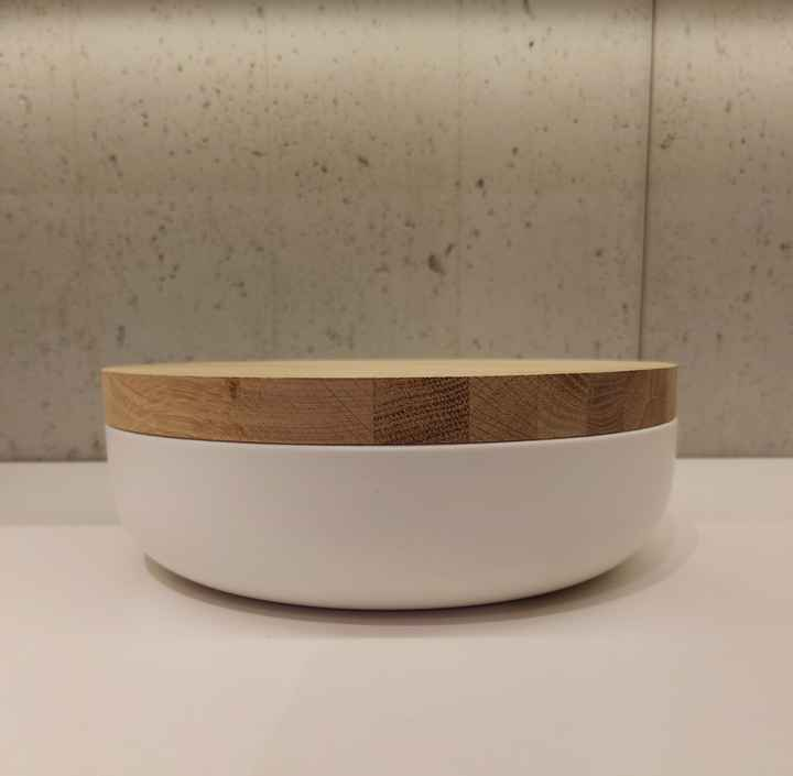 Wow VVD-pottery large white ø30 / oak lid 3073