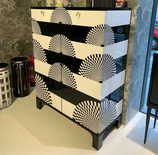 Fornasetti Fun Fan cabinet - showroommodel 2021
