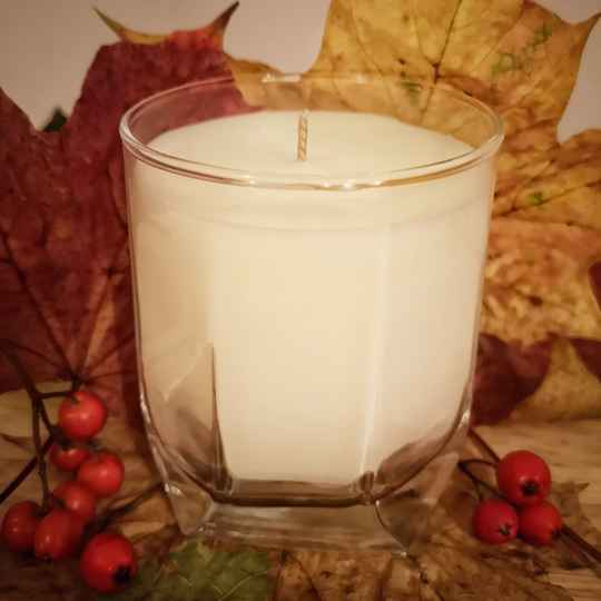 Oak with Lavender and apple Candle