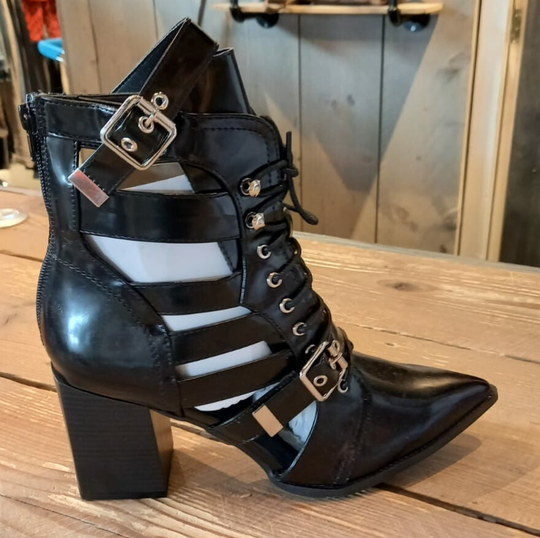 Shinny Buckle Boots