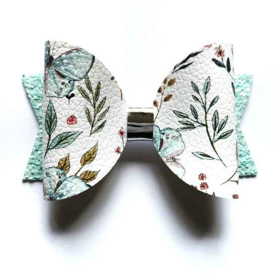 Butterfly bow