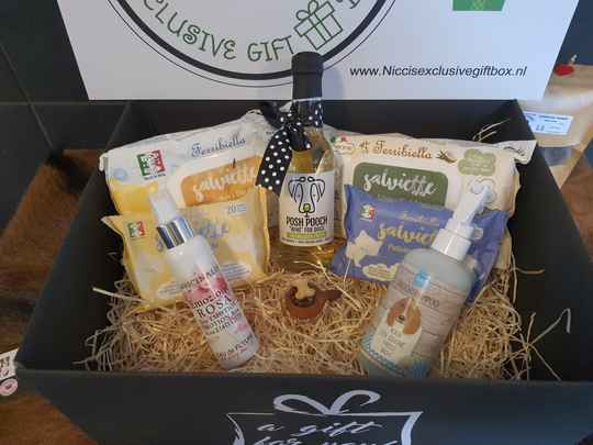 The Dog Pampering Giftbox