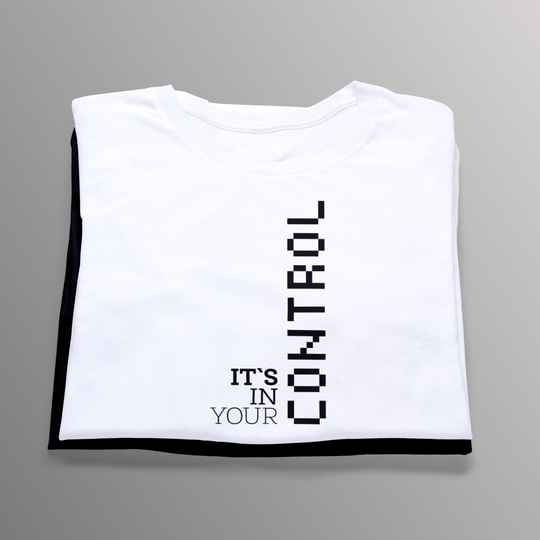 Control It´s in your (Gamer T-Shirt 5708)