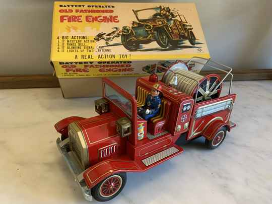 SH Old Fashioned Fire Engine