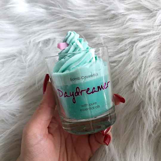 WHIPPED CANDLE - DAYDREAMER