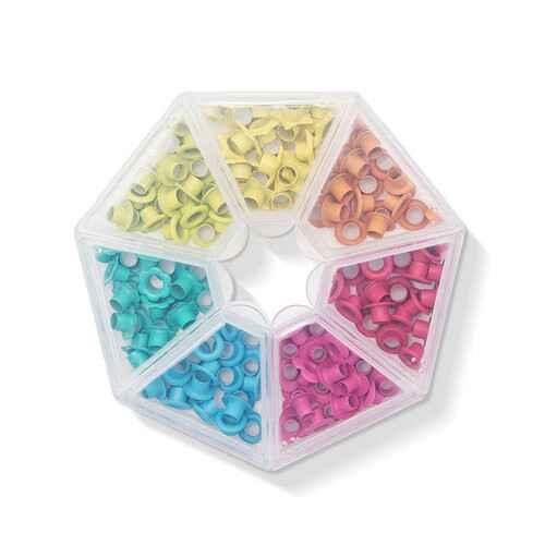 We R Memory Keepers Storage Bright Crop-A-Dile Eyelets and Case 141 stuks , 7 kleuren (660384)
