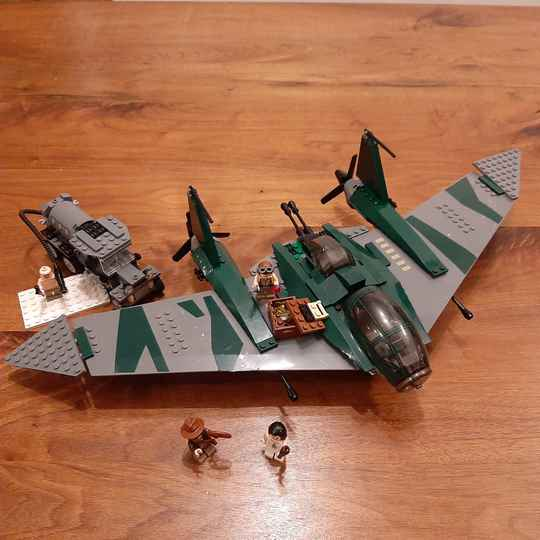 [7683] Fight on the Flying Wing