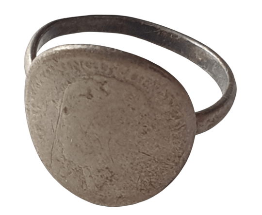 Ring made from a Dutch coin ''Passive resistance''