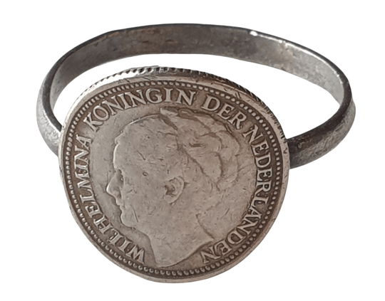 Ring made of a Dutch coin ''Passive resistance''