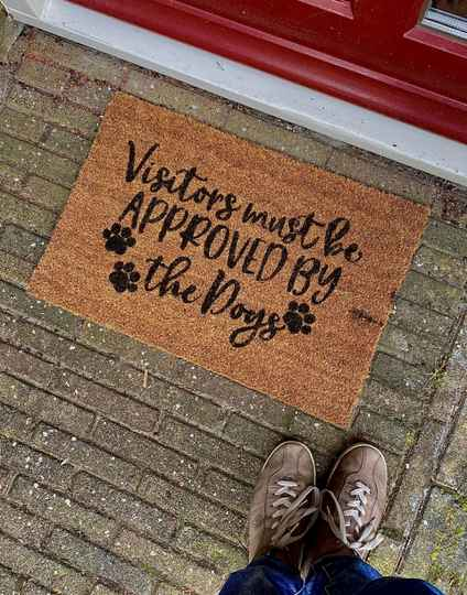 Visitors Must Be Approved By The Dogs   Deurmat