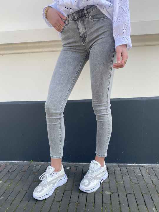 EVERYDAY SKINNY JEANS PUSH UP 011