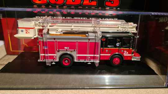 Code 3 Collectibles - Chicago Fire Dept - Snorkel 2A