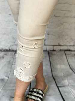 Joggy Broderie beige