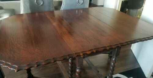 Antique Scalloped Edge Dinning Table & 4 leather Chairs