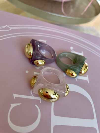 Bubble ring marble