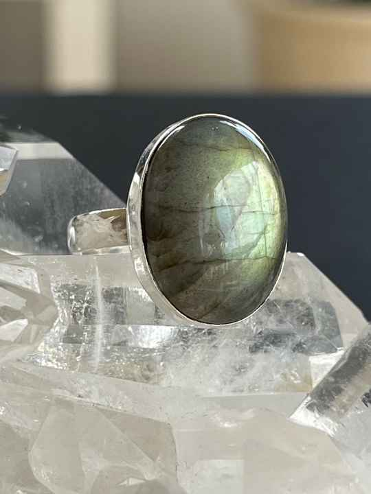 Labradoriet Ring Cabochon ovaal, maat 17,5