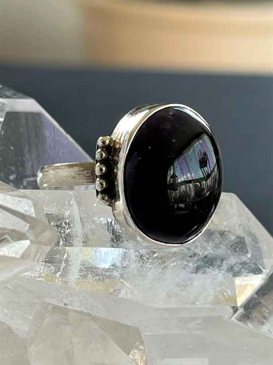 Amethyst Ring Cabochon ovaal donker, maat 17