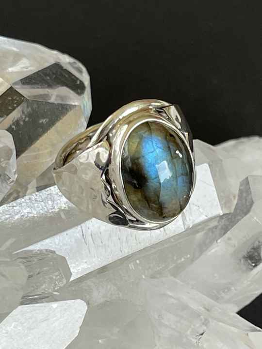Labradoriet Ring Cabochon ovaal, maat 17,3