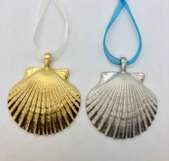 Pewter or Gold Plate Scallop