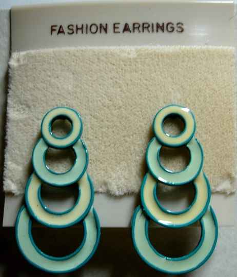 Vintage Pierced Dangle Earring In Teal And Cream With Descending Circles