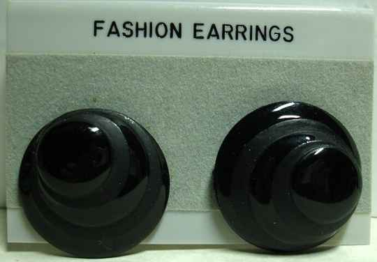 Black domed Vintage Clip On Earring With Descending Circles NOS