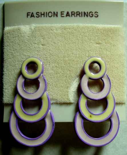 Vintage Fashion Earrings Featuring Desending Circles In Shades Of Purple And Cream