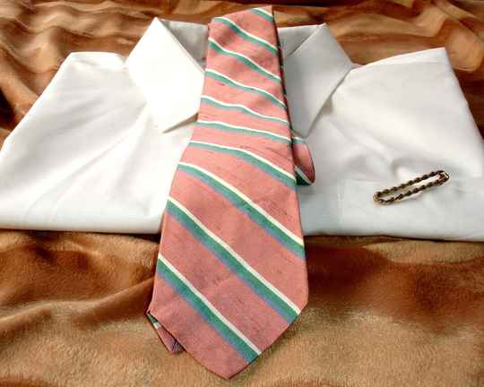 Rooster Vintage Men's Tie In Rose Blue Green And White Stripes