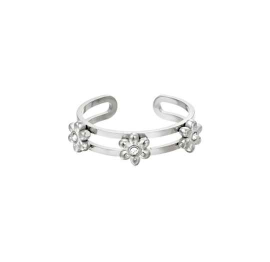 Ring three flowers silver