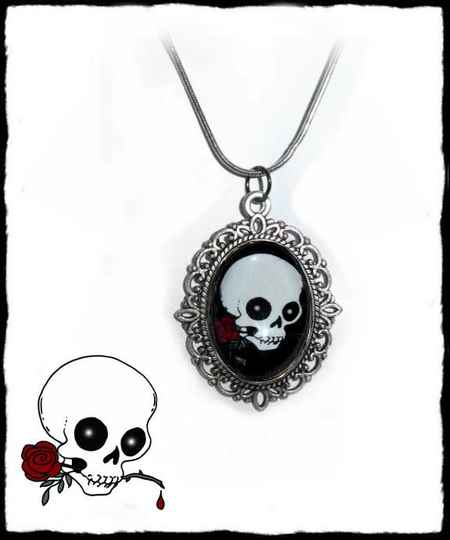 Necklace Skull a rose