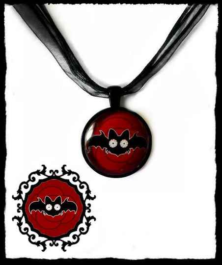 Necklace round Red Rose Batty