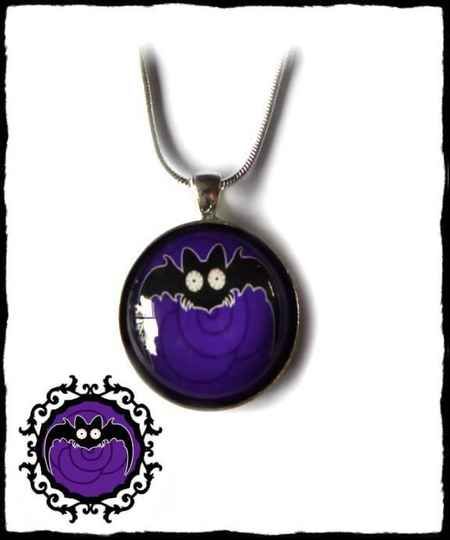 Necklace round large long wing Purple Rose Batty