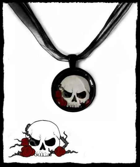 Necklace round Evil skull