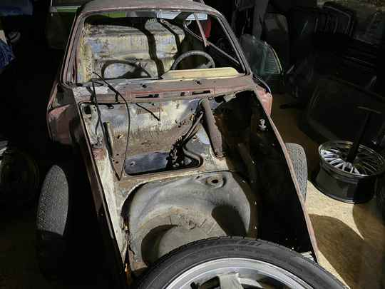 Porsche 912 body including registration