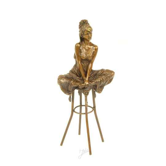 A BRONZE SCULPTURE OF A LADY ON BARCHAIR - DSBJ-10
