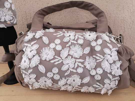 Que je t'aime bag taupe
