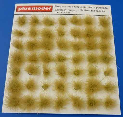 Tufts of grass - dry  PLUS472