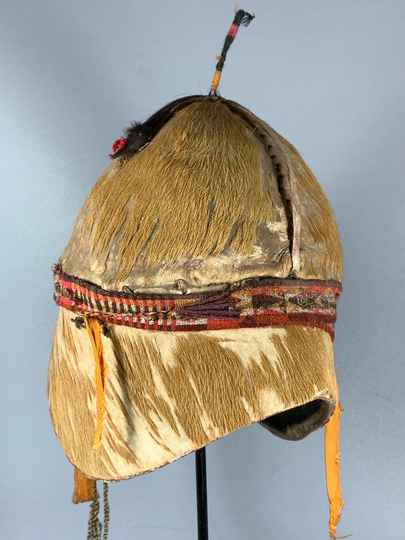 201003 - Extremly Rare Tribal used tropical antilope skin helmet - Ethiopia.