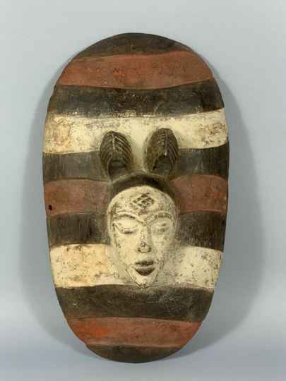 181219 - Tribal Used African shield from the Punu - Gabon.
